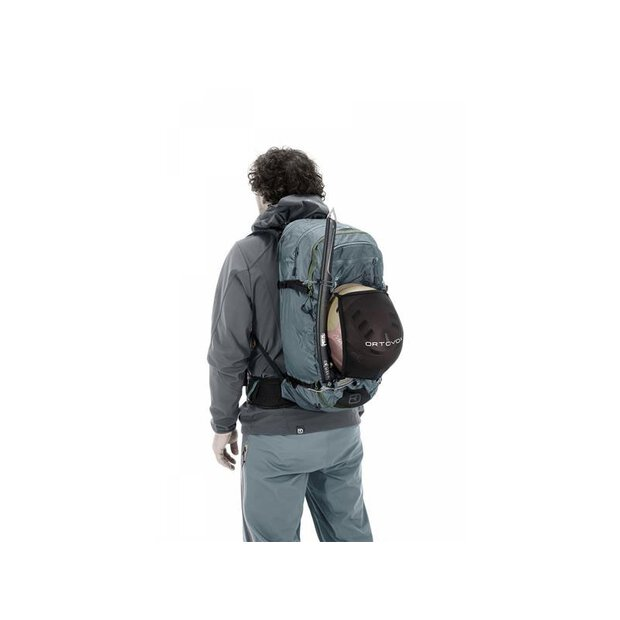 Ortovox 46242 Ascent 32 backpack black